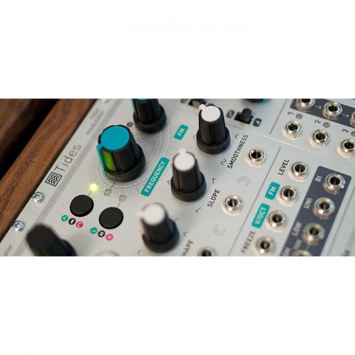 Mutable Instruments Tides Eurorack Modulation Module