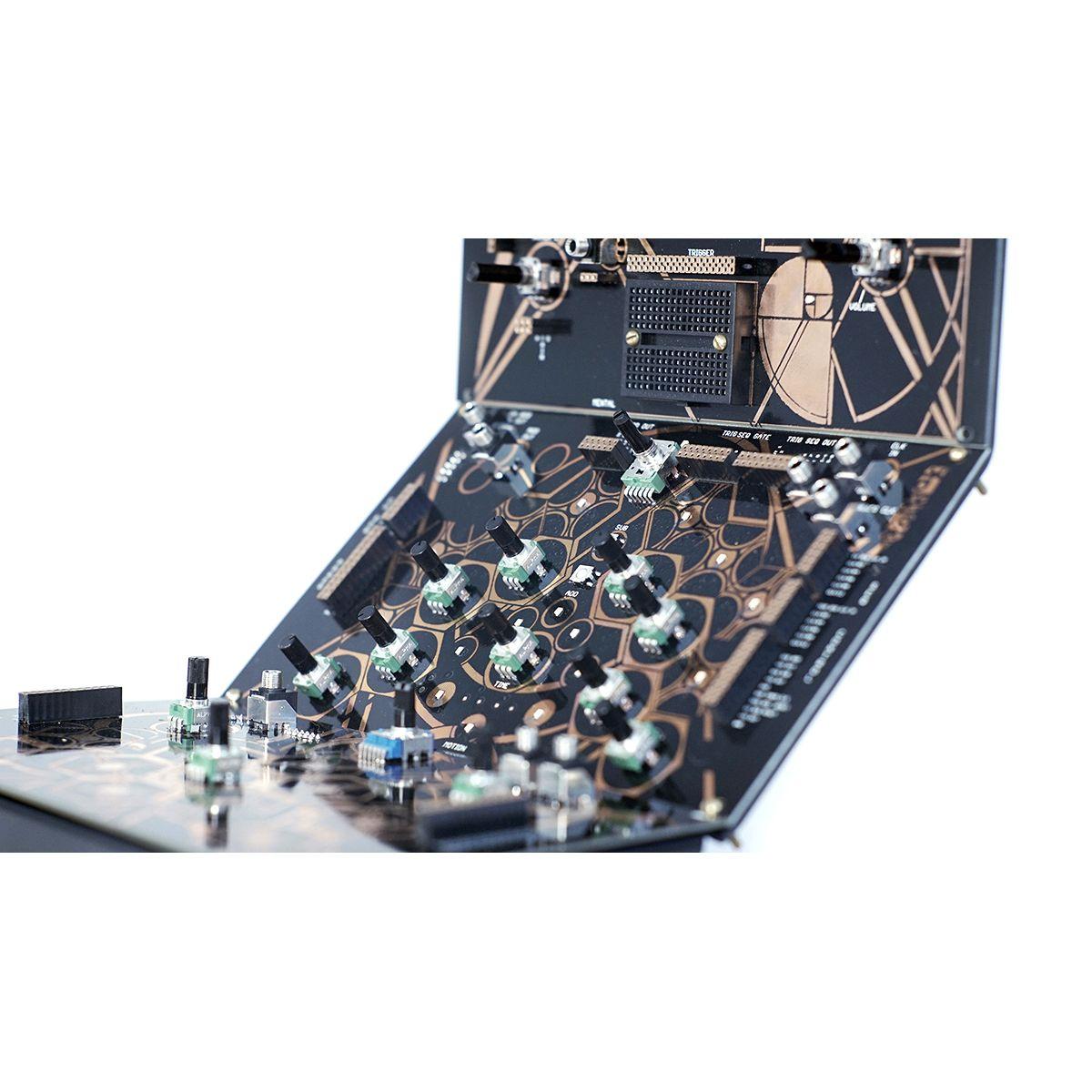 Folktek Modular Mescaline V2 Eurorack Polyphonic Analog Synth & Sequencer (Gold)